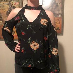 Tops - Floral cut out cold shoulder blouse
